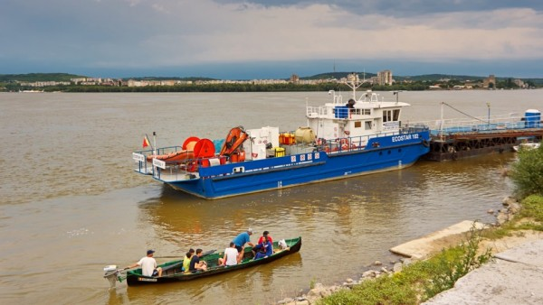 Barca mică, distracția mare